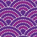 紫の和風テイストの波柄パターン